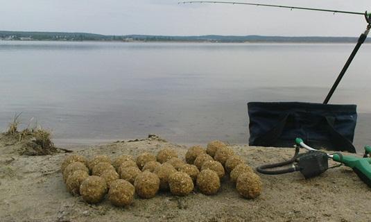 Прикормка для ловли карпа на фидер